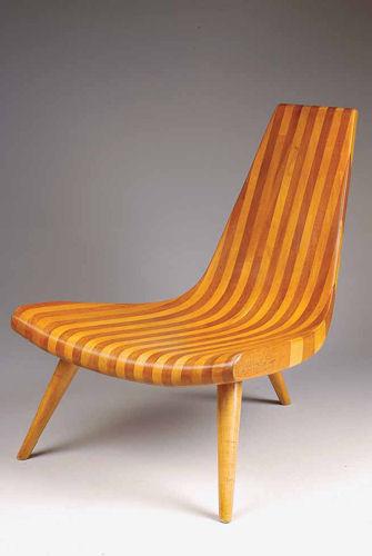 Cadeira de três pés