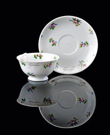 Chávena e pires em porcelana da Vista Alegre