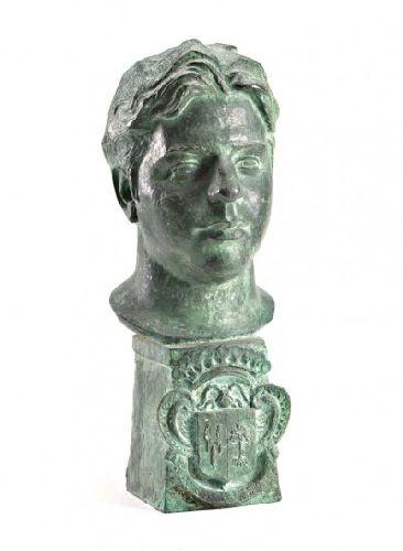 Busto de figura masculina