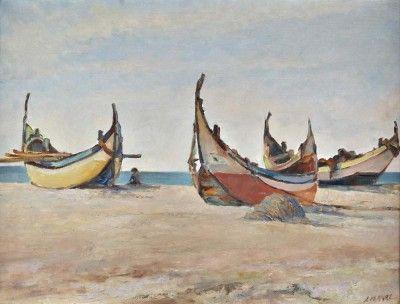 Praia com barcos